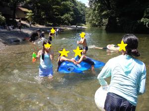 川遊びの様子2