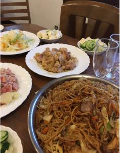 手作りの夕食の写真